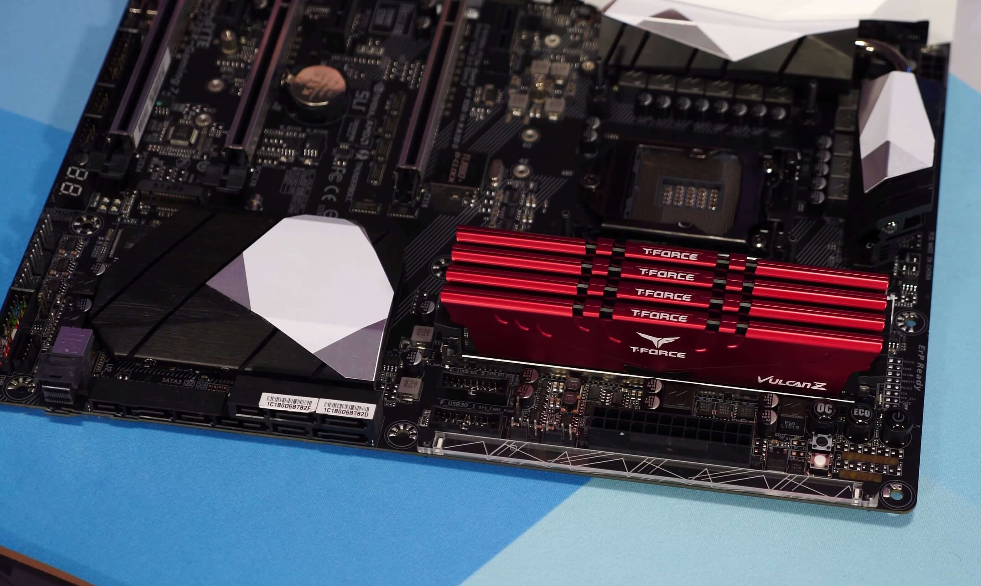 Are More RAM Modules Better for Gaming? 4 x 4GB vs. 2 x 8GB