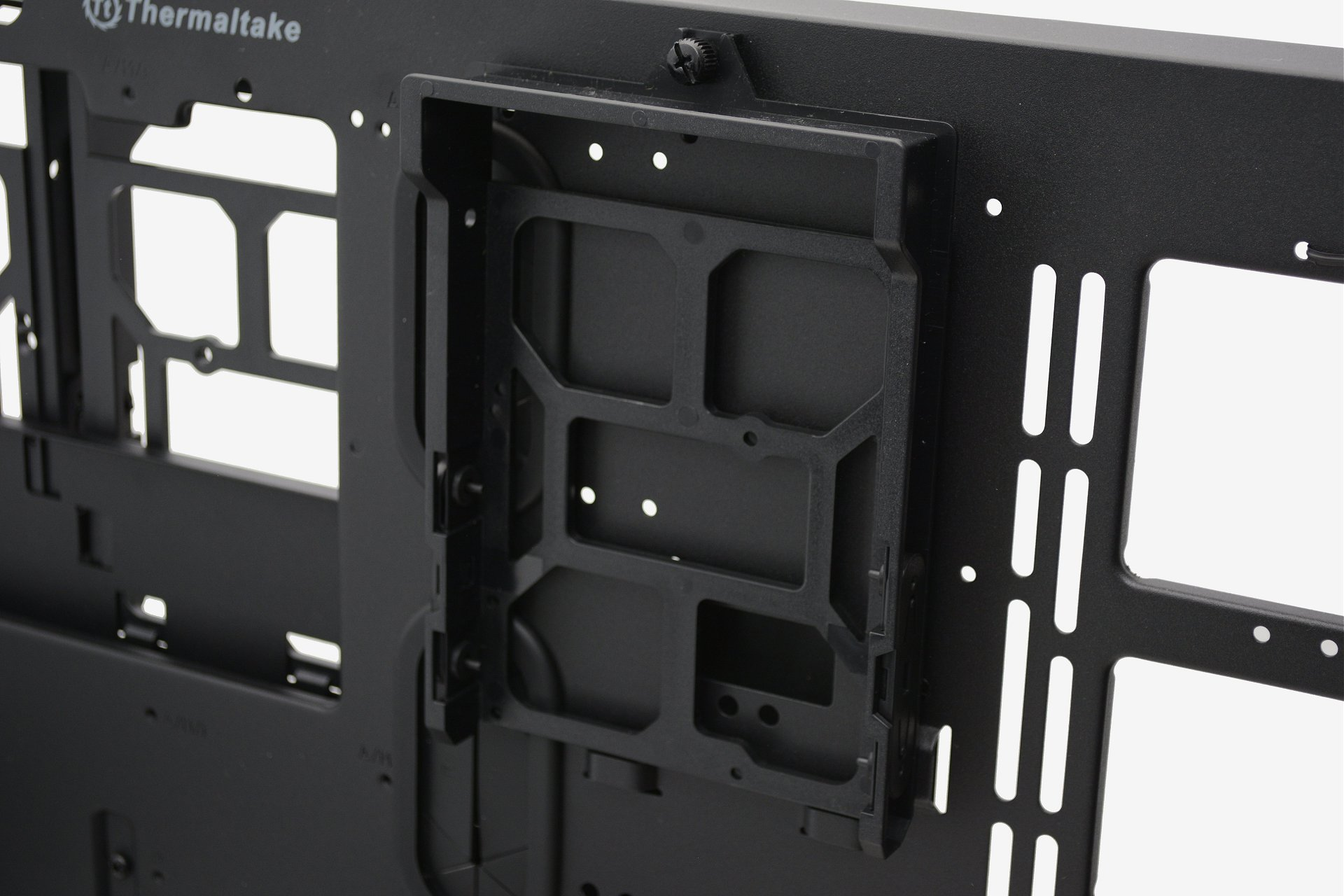 Thermaltake Core P5 Review: Wall-Mountable Open Frame