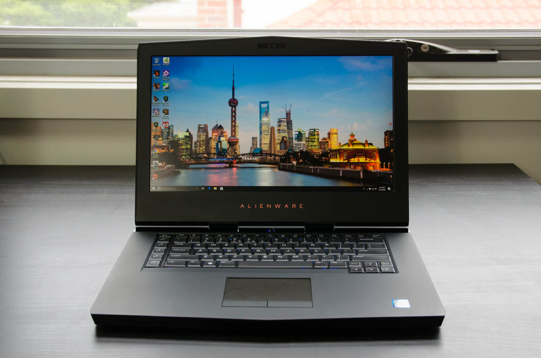 how to clean a alienware laptop with air