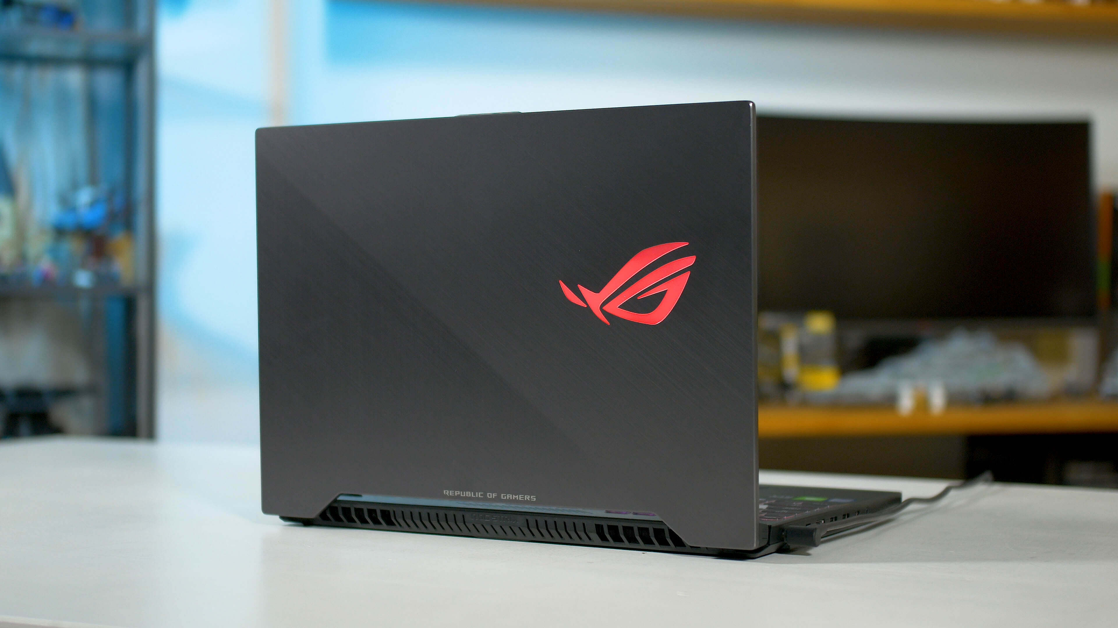 45358f9c3a68 Asus ROG Strix Scar II Gaming Laptop Review - TechSpot