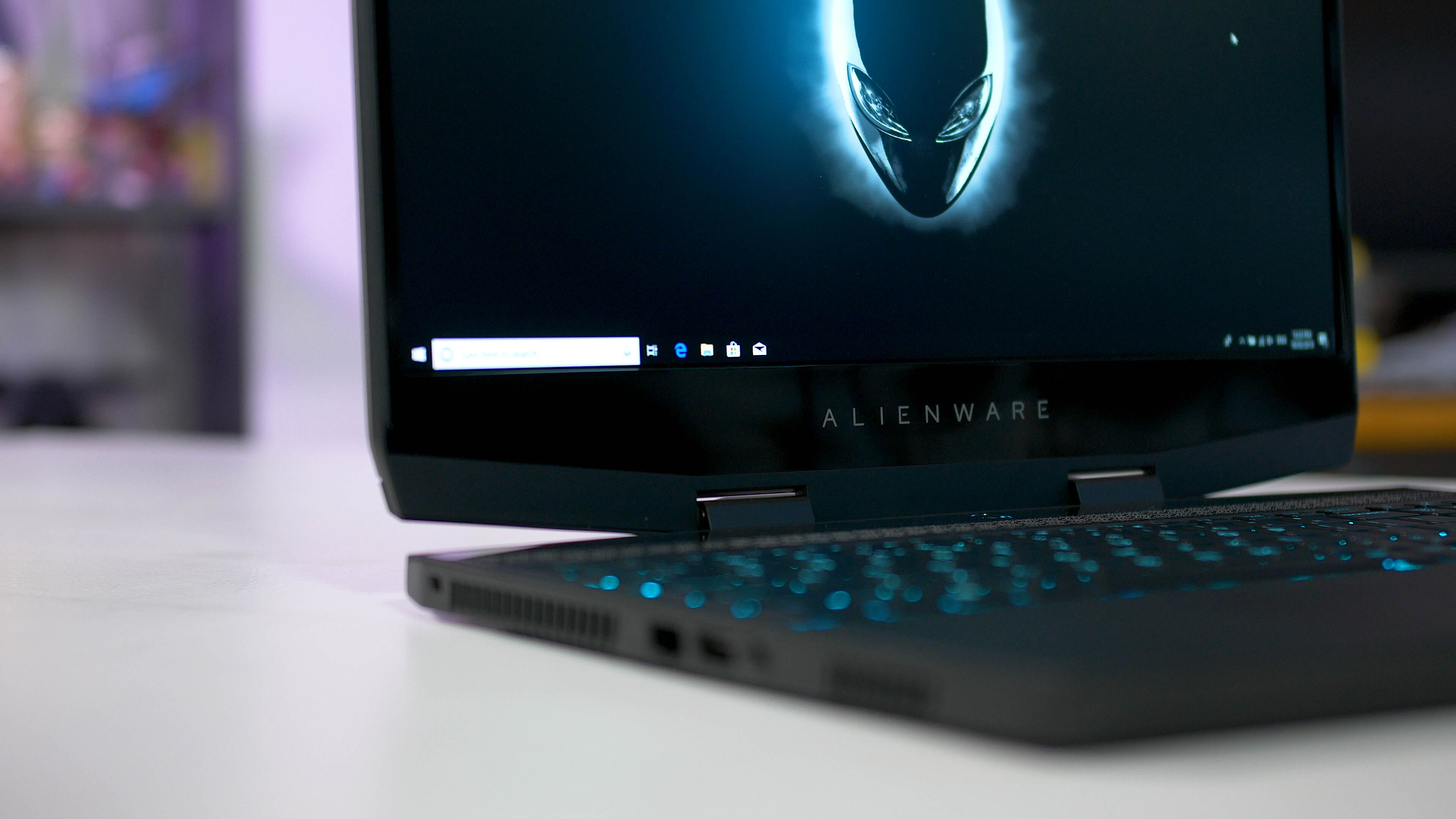 Alienware m15 RTX Gaming Laptop Review - TechSpot