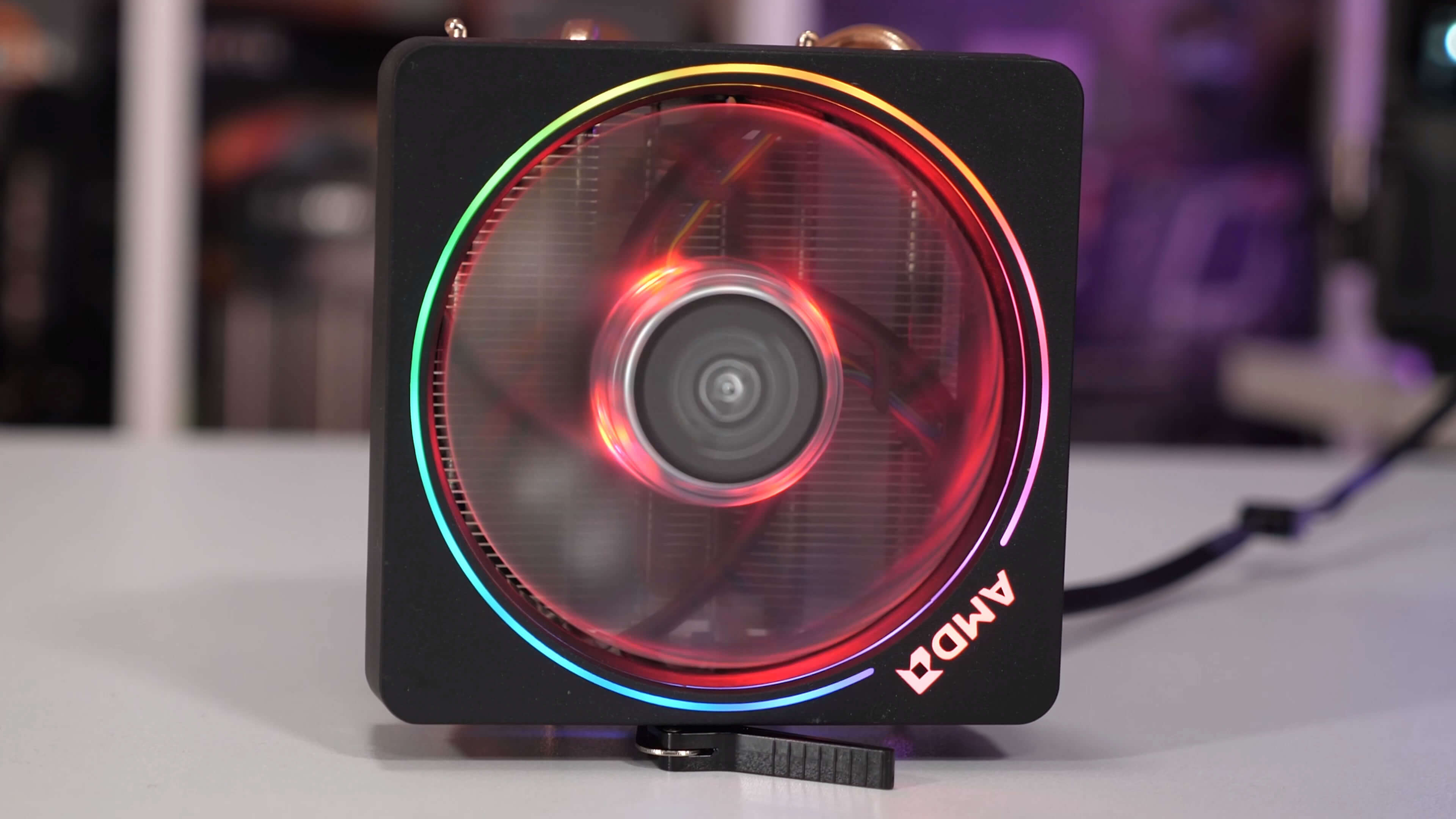 Ryzen 9 3900X: Wraith Prism RGB Stock Cooler vs  360mm AIO