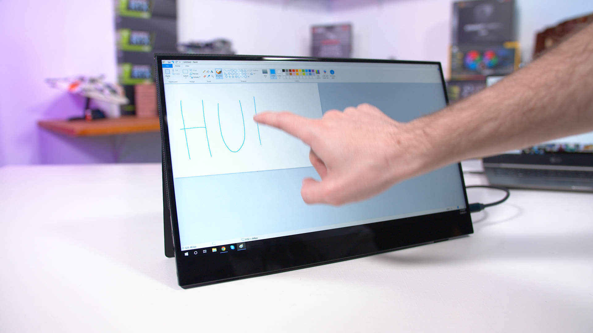 $200 15-inch Portable Monitor: Viotek LinQ Touch Review