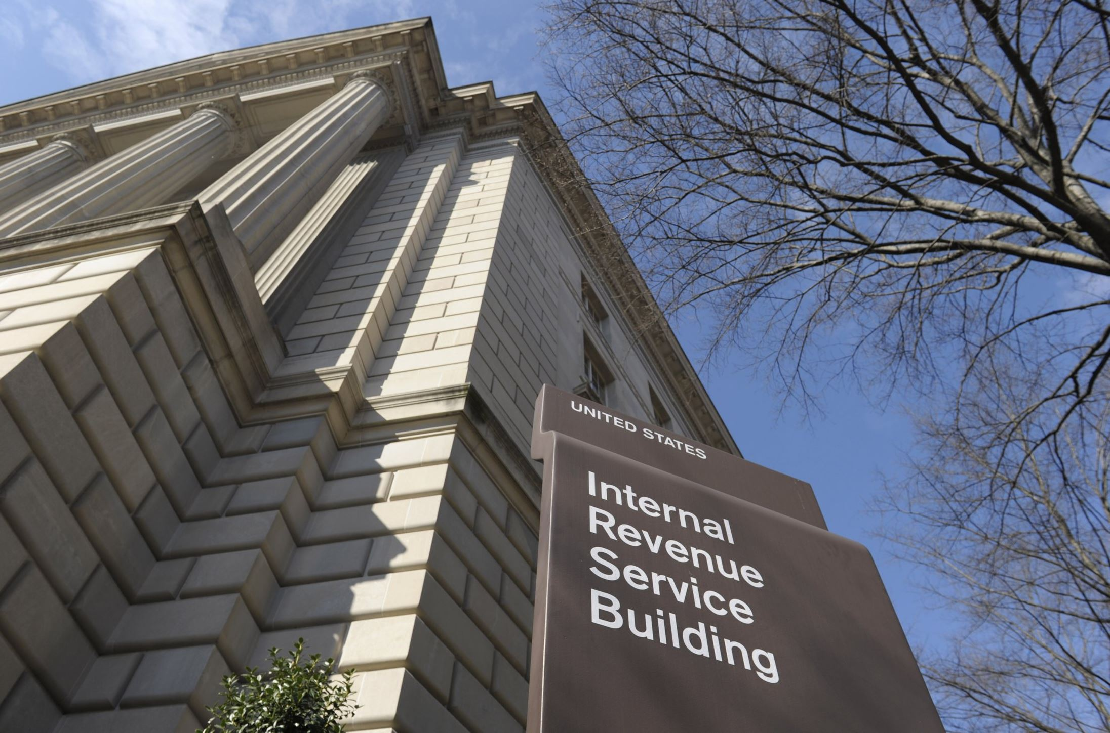 Irs Goes After Coinbase To Try And Find Tax Evaders