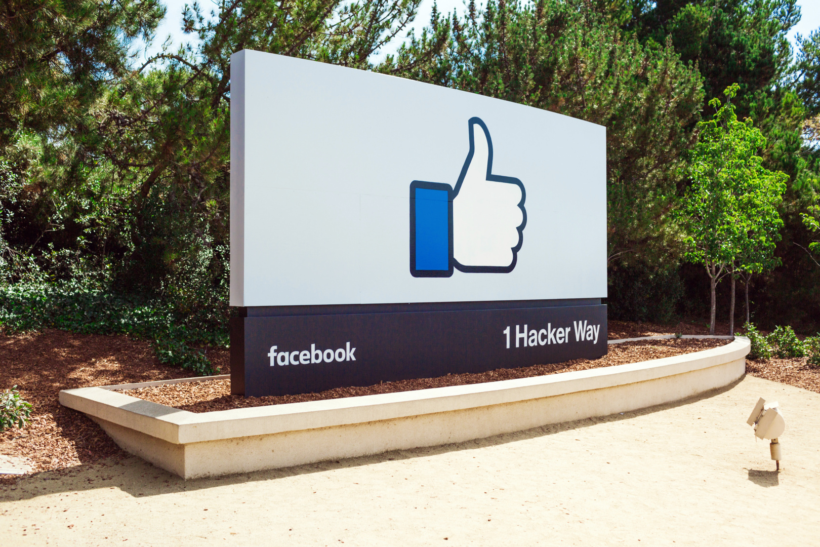 Facebook will show fewer links to slow-loading websites