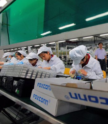 apple, foxconn, fair labor association, fla, auret van heerden