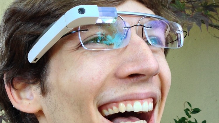 Google buys head-mounted display patents from Foxconn