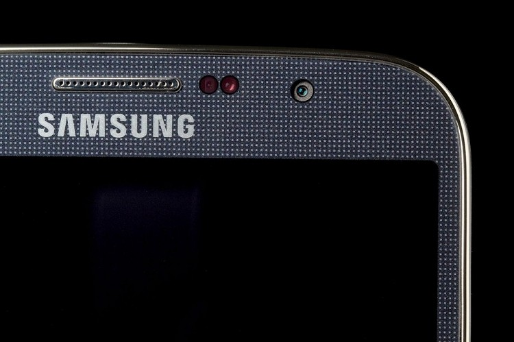 Samsung may shift to metal chassis with Galaxy S5