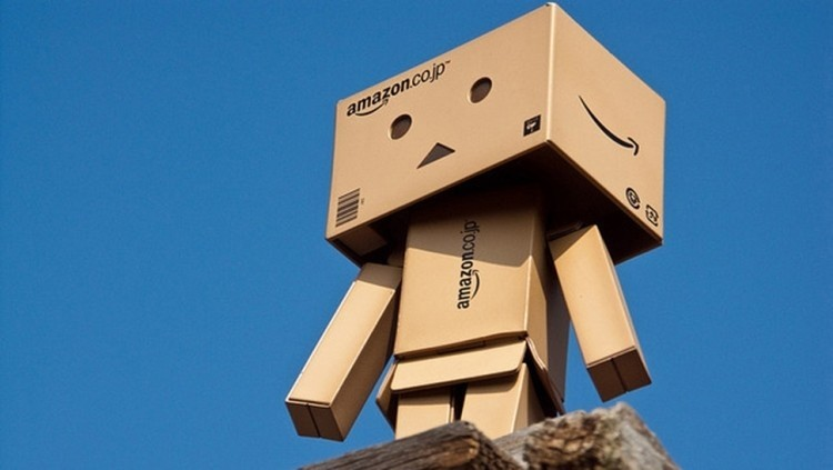 Amazon wants to give away its smartphone free of charge (not)