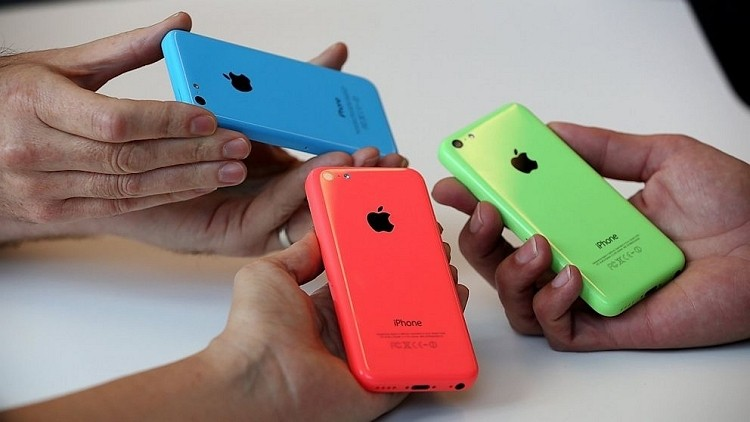 Apple said to be cutting iPhone 5c production in half