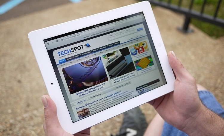 iPad with higher pixel density, ultra-thin MacBook with Retina Display expected in 2014