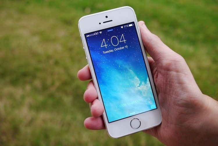 iOS 7.0.3 update delivers iCloud Keychain support, addresses iMessage bugs