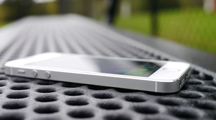 Apple to replace iPhone 5s units affected by battery-related manufacturing issue