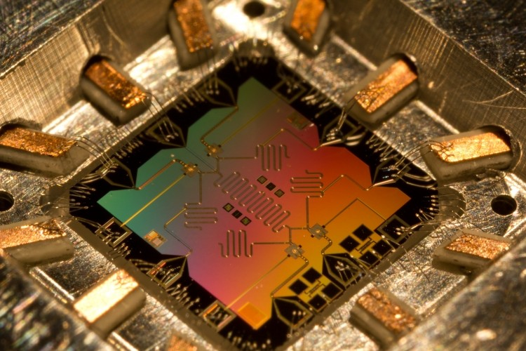 Quantum computers looking more realistic with major storage breakthrough