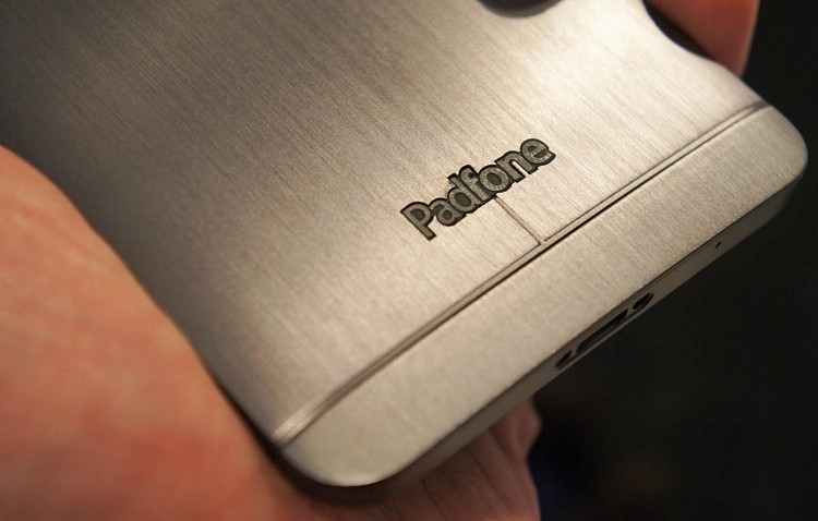 Asus CEO: PadFone coming to the US on a big carrier next year