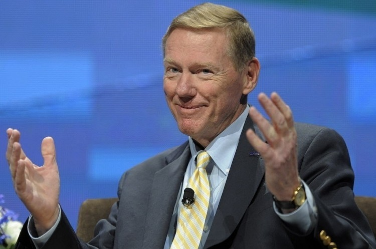 Ford chief Allan Mulally pulls out of Microsoft CEO race