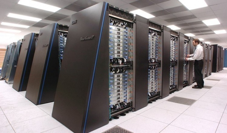 IBM reportedly renews effort to offload low-end server business