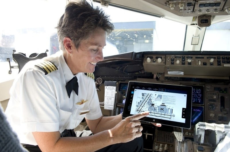 FAA clears Surface 2 tablet for use in pilots' electronic flight bags