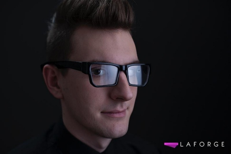 03c2eb253b Google Glass competitor aims to win support with fashion friendly design