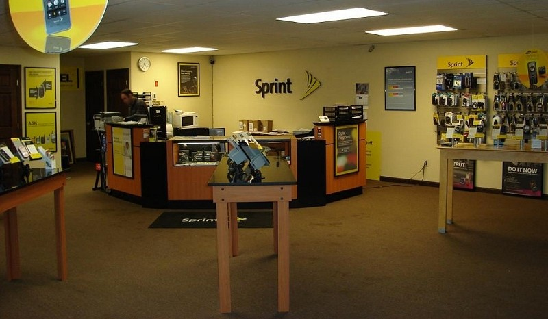 Sprint restructuring continues as 330 repair techs laid off, 55 stores shut down