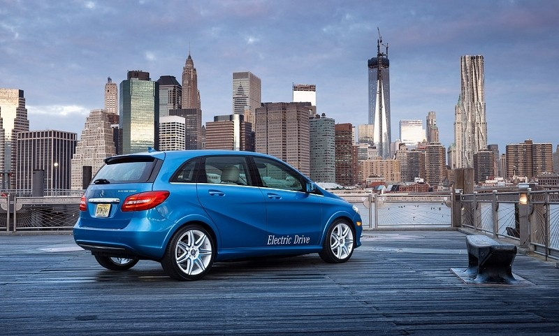 Mercedes-Benz taps Tesla to power new B-Class electric compact
