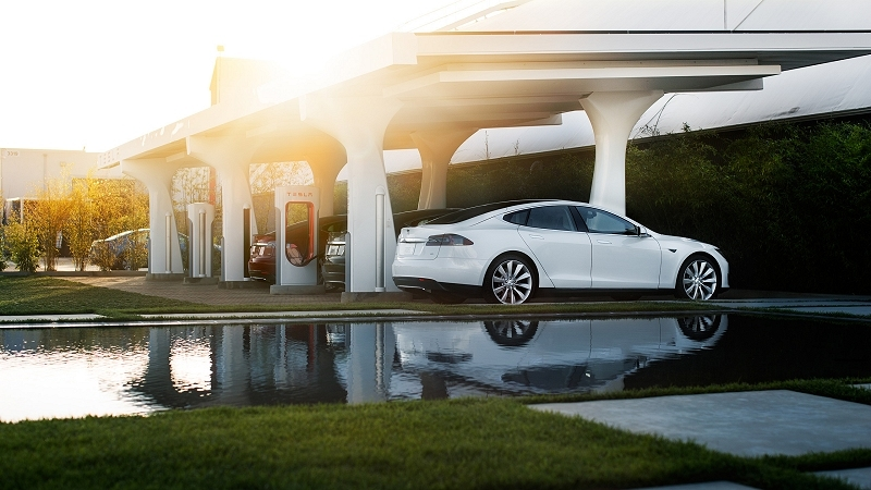 Tesla invites other EV makers to join Supercharger network
