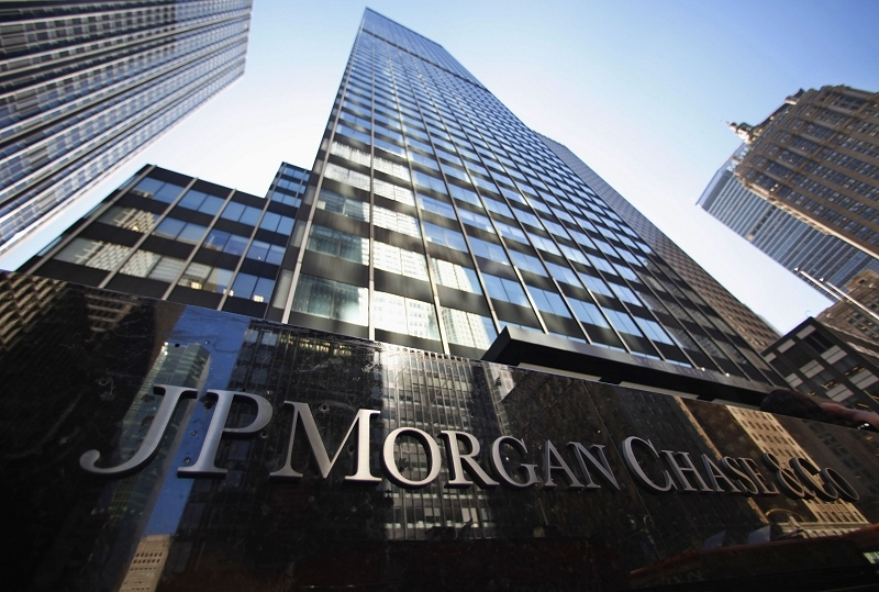 Hackers infiltrate at least five major US banks, steal gigabytes of customer data