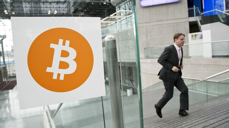 PayPal now allows merchants to accept Bitcoins when selling digital goods