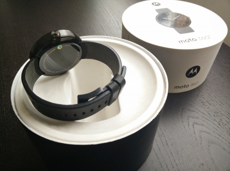 The Cornerplay: Android Wear has the vision, Apple Watch has the execution