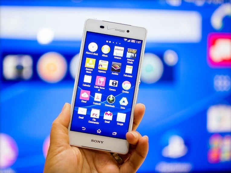 Sony's flagship phone is coming to Verizon as the Xperia Z3v with more storage, wireless charging