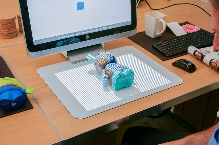 HP Sprout is an AIO Windows 8 PC with integrated 3D scanner and