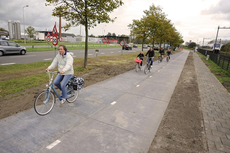 The Netherlands becomes first country to install solar-collecting pathway