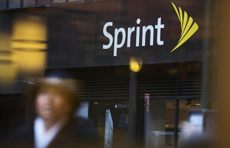 Sprint promises to charge half of what you currently pay with AT&T, Verizon if you switch