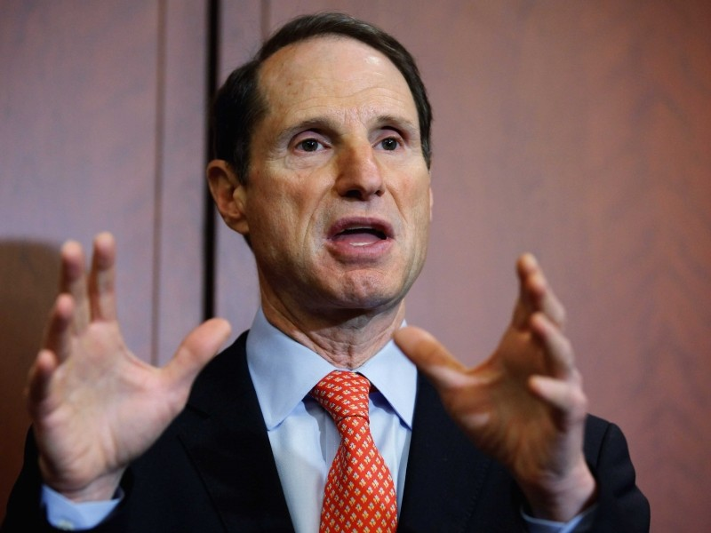 Senator looks to stop built-in government backdoors in consumer electronics