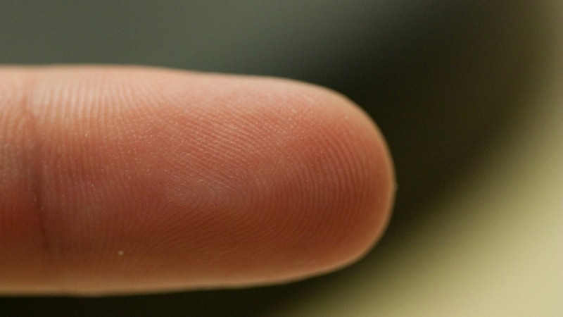 Biometrics researcher reproduces fingerprints from photographs