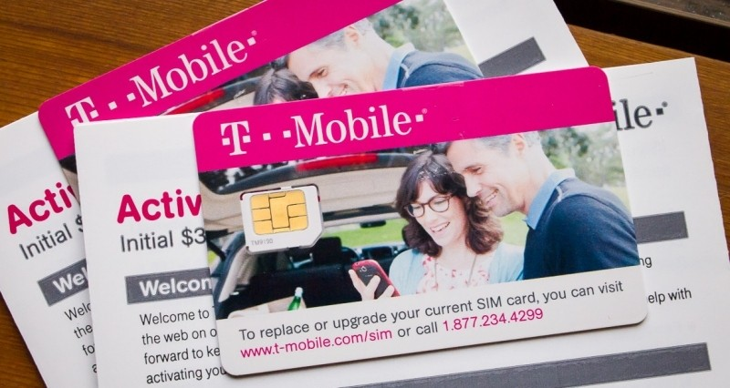 T-Mobile eliminates bells and whistles with barebones Simply
