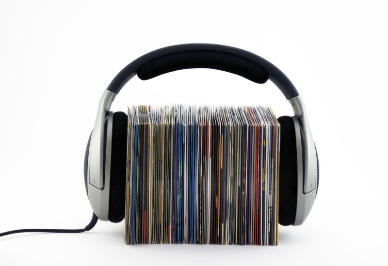 Streaming music generated more revenue than CDs in the US for the first time in 2014
