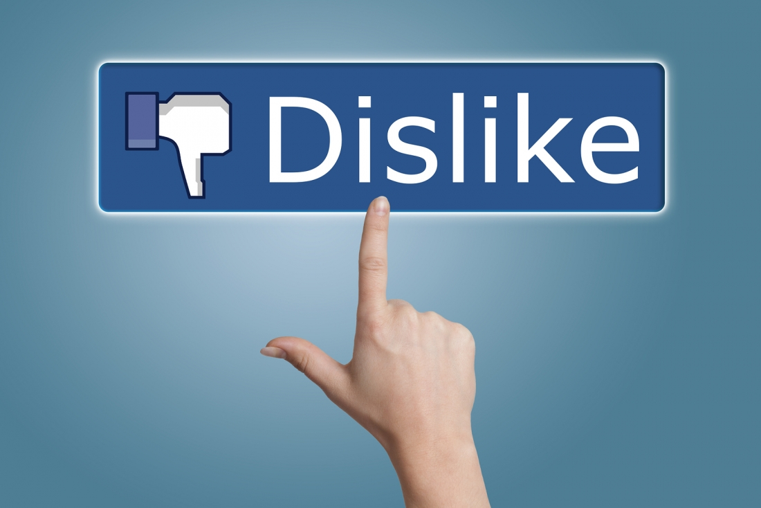 Facebook gives in, will soon add a form of dislike button