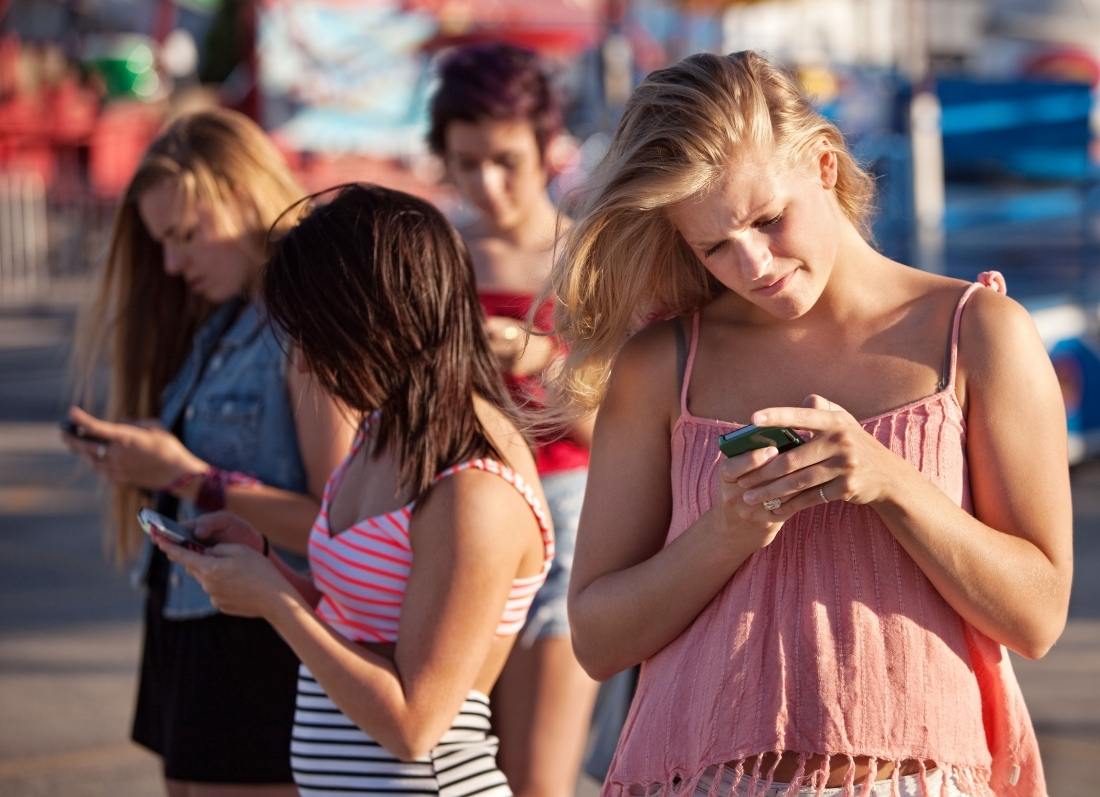 The average smartphone user spends more than three-fourths of their time in just three apps