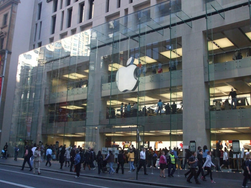 Black students kicked out of Australian Apple store because they might steal something