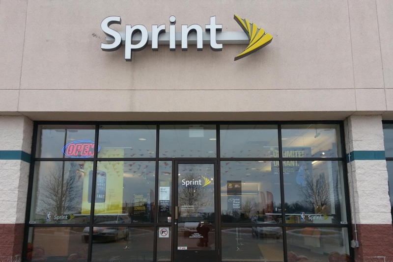 Sprint is offering huge discounts to switch from its mobile carrier rivals