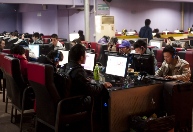 Woman missing since 2005 and feared dead is found to have been living in internet cafes for a decade