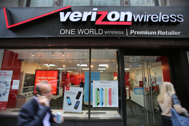 Verizon joins the rest of the world, will give you up to $650 if you switch from another carrier
