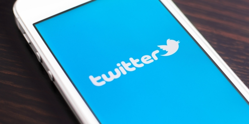 Twitter has just tested a dedicated GIF button on its mobile app