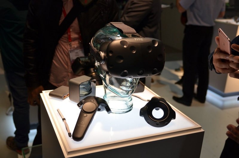 The HTC Vive is now available for pre-order