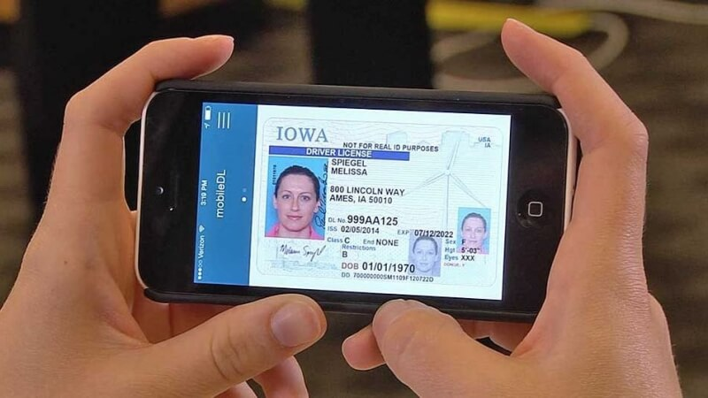 ICE, FBI reportedly scan driver's license photos for facial recognition searches