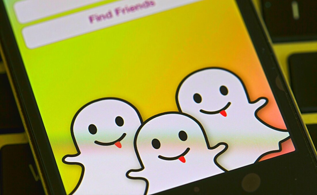 Snapchat overtakes confusing Twitter in number of daily users