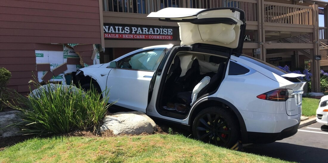 Tesla says Model X logs show recent crash was due to driver's actions, not caused by autopilot