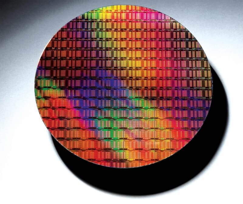 Weekend tech reading: How Intel makes chips, Google backs TPP, an early tour of Apple's new Campus