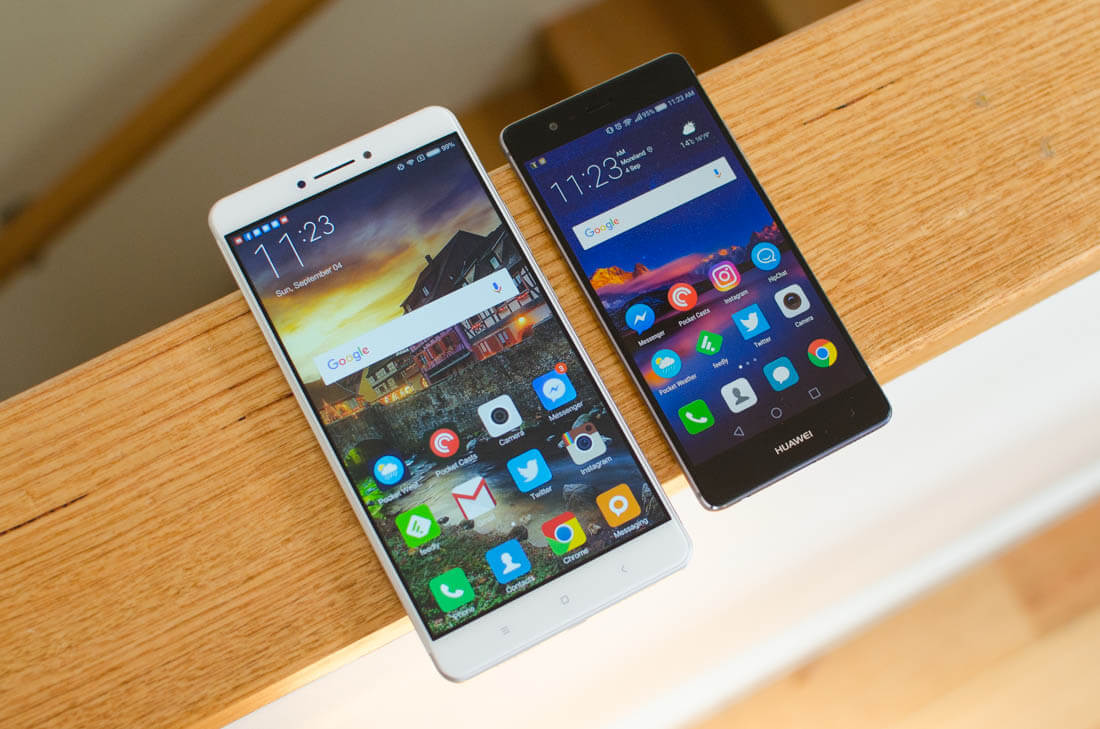 China's smartphone market sees biggest slump in five years